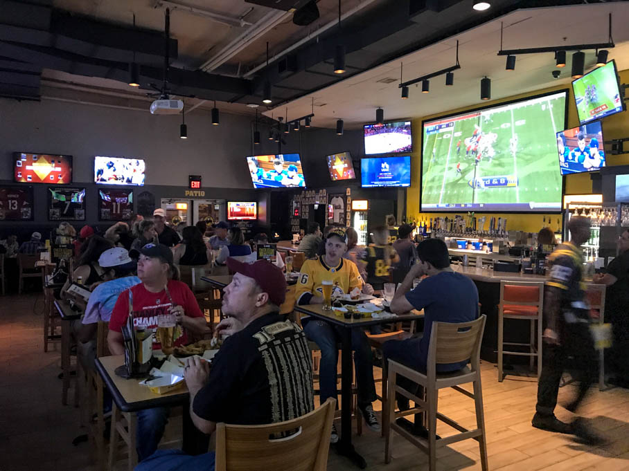 Buffalo Wild Wings Good Eats Tucson Arizona Local Mike Puckett GW-4